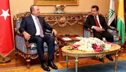 جاويش أوغلو يجري اتصالاً هاتفيًا مع رئيس حكومة إقليم كردستان العراق