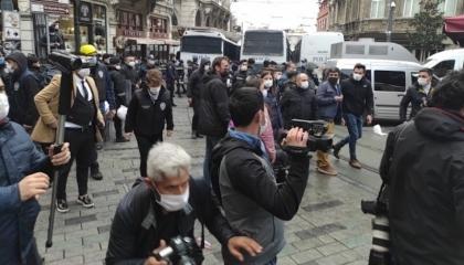 الشرطة التركية تعتدي على أعضاء «الشعوب الديمقراطي» وتعتقل 19 شخصًا