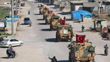 الاحتلال التركي يعزز قواته في مناطق خفض التصعيد بإدلب السورية