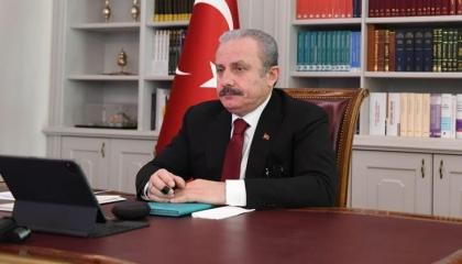 رئيس البرلمان التركي: أنقرة تحمي اللاجئين وأوروبا تتنصل منهم
