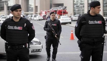الشرطة التركية تتجاهل استغاثة سيدتين تعرضتا لجريمة اعتداء