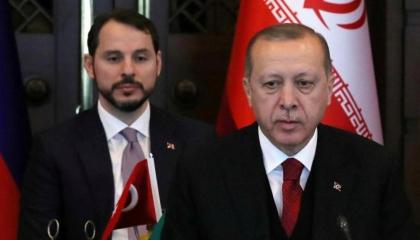 نكشف كواليس الإطاحة بصهر أردوغان.. وكارثة اقتصادية وشيكة تهدد تركيا