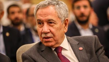 صحفي تركي: «العدالة والتنمية» ترك الدولة تحت أنقاض الفساد والفقر