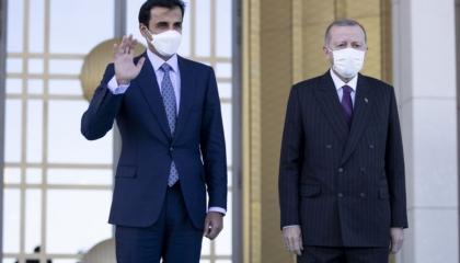بحثا خطوات تعزيز العلاقات.. أردوغان يجري اتصالًا هاتفيًا مع أمير قطر