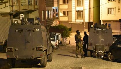الشرطة التركية تعتقل 6 أشخاص بمدينة مرسين