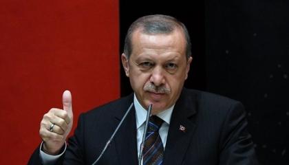 حكومة «العدالة والتنمية» تمنع الوظائف عن منتقدي أردوغان وأبنائهم