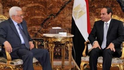 الرئيس الفلسطيني يصل مطار القاهرة استعدادًا للقمة المصرية الفلسطينية