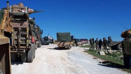 تركيا تبدأ إنشاء قاعدة عسكرية جديدة بإدلب قرب نقاط تمركز قوات الأسد