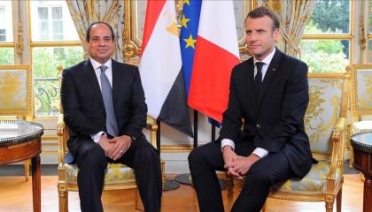 بلومبرج الشرق: السيسي يزور ماكرون في باريس لبحث عملية السلام بالمتوسط