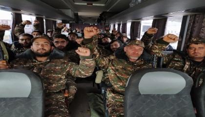 من كاراباخ إلى سوريا.. عودة 900 مرتزق موالٍ لأردوغان لعفرين وجرابلس والباب