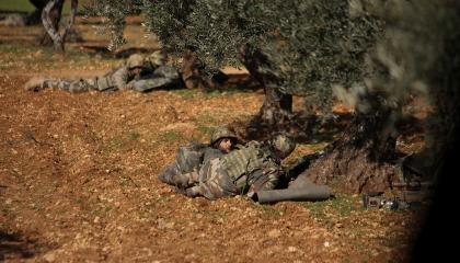 إصابة جندي تركي في استهداف لقاعدة عسكرية تابعة لأنقرة شمال إدلب