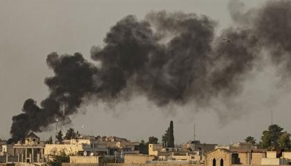 القوات التركية وميليشياتها تشن هجومًا على مواقع «قسد» بالرقة