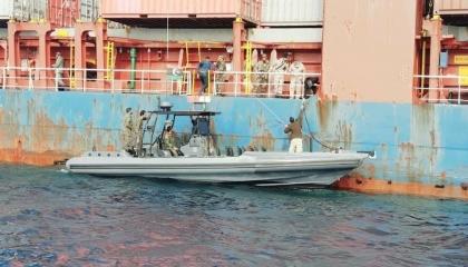 تفاصيل احتجاز الجيش الليبي لسفينة شحن تركية تحمل علم جامايكا (فيديو)