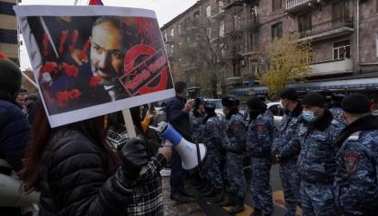 شوارع أرمينيا خارج السيطرة والمعارضة تستعد لإعلان العصيان المدني في البلاد