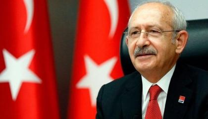 جريدة تركية موالية تصف زعيم المعارضة بـ«ملك الزبالين».. والأخير: معي مكنسة!