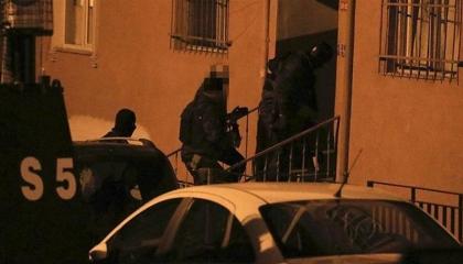 السلطات التركية تداهم منازل سكان ماردين وتعتقل 5 مواطنين