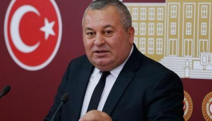 نائب «عملية البندق» ينضم للحزب الديمقراطي التركي