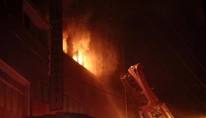 حرائق غامضة تلتهم مصنعين في مدينة إزمير التركية