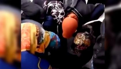 صراع الخبز.. بالفيديو: سيدات تركيات يتسابقن على الصميت المجاني