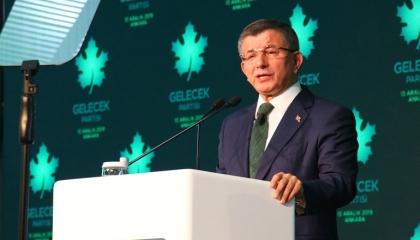 داود أوغلو لأردوغان: الاعتداء على المعارضة نشاط إرهابي