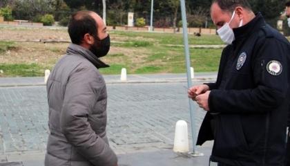 الشرطة التركية تغرم مشردًا 3150 ليرة بسبب خرق الحظر