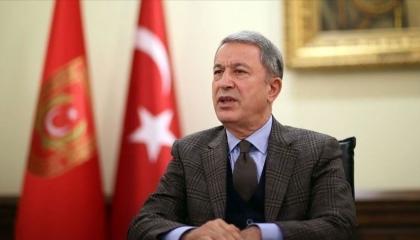 وزير الدفاع التركي: ندعم التوصل إلى حل سياسي للأزمة الليبية