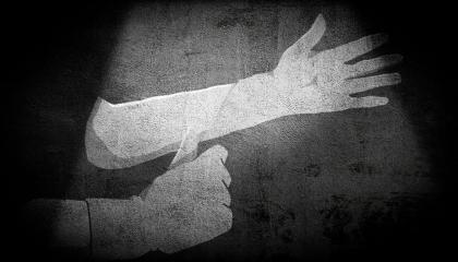 إحدى ضحايا التفتيش العاري في سجون أردوغان: إصابتي بالسرطان لم تشفع لي