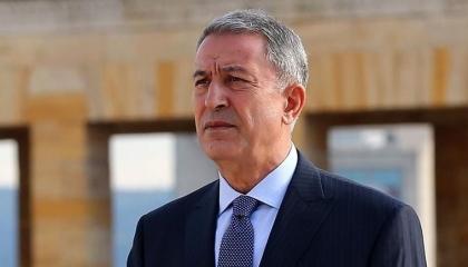 وزير الدفاع التركي يتفقد قوات بلاده في أذربيجان: ندافع عن حقوق الأذريين