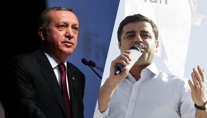 مصير زعيم الأكراد.. بين إرهاب أردوغان وثورة المعارضة التركية
