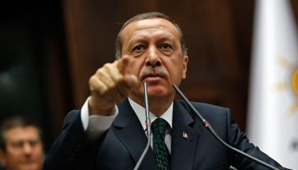 أردوغان يعتقل سيدة تركية بعد عملية ولادة قيصرية مباشرة.. والزوج: عار وظلم