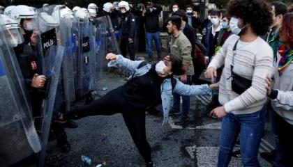 تركيا تحيل 24 مواطنًا للمحاكمة لمشاركتهم في احتجاجات «بوغازيتشي»
