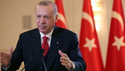 أردوغان يطالب اليونان بالتخلي عن تصعيد التوتر في شرق المتوسط