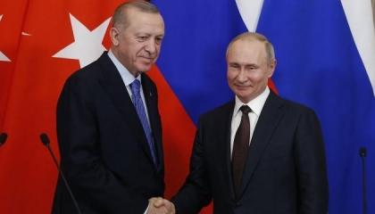 بوتين يطلع أردوغان على نتائج القمة الثلاثية مع زعيمي أذربيجان وأرمينيا