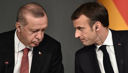وزير الخارجية التركية: بناء على طلب باريس.. قمة مرتقبة بين أردوغان وماكرون