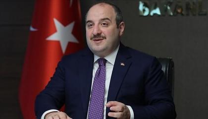 وزير تركي يهدد منصات التواصل الاجتماعي: ستدفعون الضرائب لنا