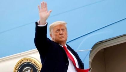 ترامب يغادر البيت الأبيض قبل حفل تنصيب بايدن.. شاهد الفيديو