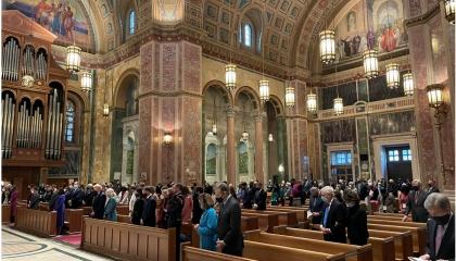 بايدن يحضر صلاة في كنيسة القديس ماثيو قبل أداء اليمين الدستورية