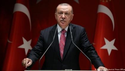 أردوغان: لا حقيقة لإغلاق الشركات والمتاجر في تركيا
