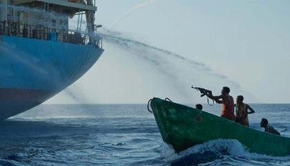 السفيرة التركية بالجابون: ننتظر وصول السفينة المختطفة إلى ميناء بورت جنتل