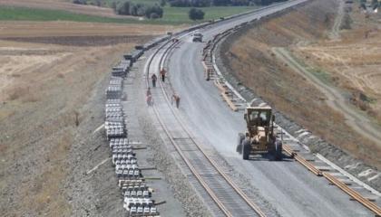 بدأ المشروع قبل 12 عامًا.. ملياري ليرة إضافية لخط قطار أنقرة - سيواس السريع