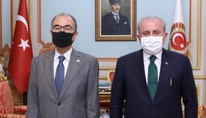 سفيرا اليابان وبنجلاديش في اجتماع مغلق مع رئيس البرلمان التركي