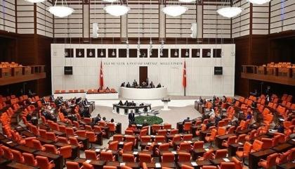 البرلمان التركي يوافق على مد مهمة جيشه في خليج عدن