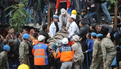 فضيحة كبيرة بالقضاء التركي.. تغيير هيئة المحكمة لتبرئة قاتلي 300 عامل منجم