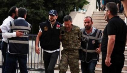 اعتقال 4 عسكريين بتهمة التجسس على مشروعات الصناعات الدفاعية للجيش التركي
