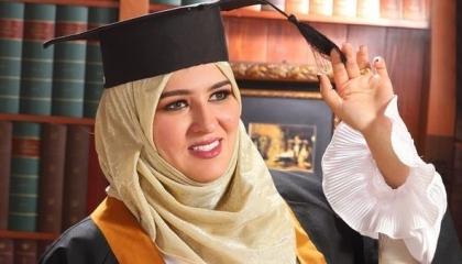 أول امرأة ليبية تنافس على منصب رئيس الحكومة.. تعرف عليها