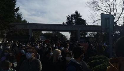 الشرطة التركية تواصل اعتداءاتها على طلاب الجامعات