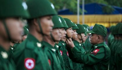 انقلاب عسكري واعتقالات بالجملة.. ماذا يحدث في ميانمار؟