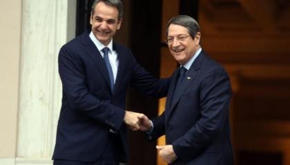 رئيس الوزراء اليوناني يلتقي نظيره القبرصي.. الاثنين