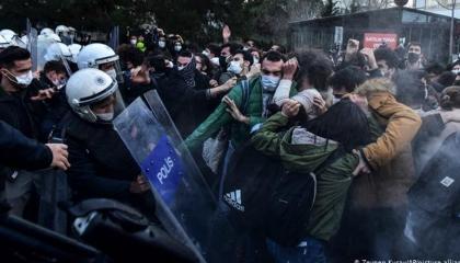 رئيس حزب السعادة التركي عن طلاب جامعة بوغازيتشي: «لا تجبروهم على القتال»