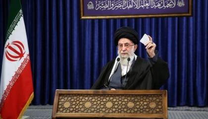 خامنئي: طهران لن تتراجع عن خطواتها النووية إلا بعد رفع العقوبات الأمريكية